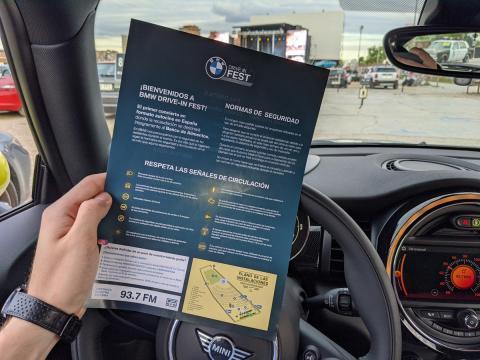 A la llegada, los organizadores hacían entrega de una copia de las normas que se debían respetar durante el festival.