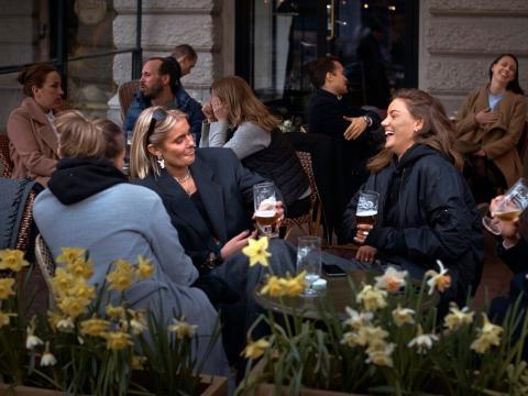 Bar en Estocolmo, Suecia, el 8 de abril de 2020.
