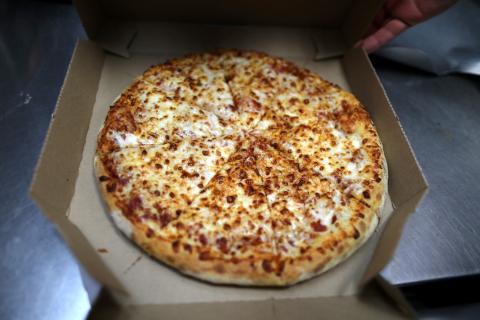 Una pizza de Domino's Pizza