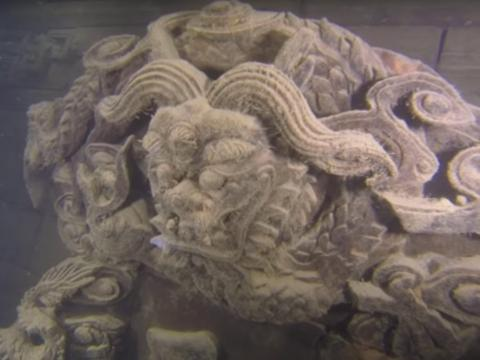 """Shi Cheng, China's underwater """"Lion City,"""" remains preserved at the bottom of Qiandao Lake."""