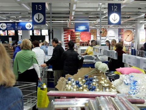 Las tiendas están abarrotadas durante las vacaciones.