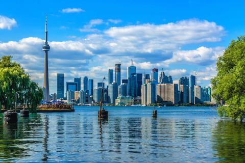 El skyline de Toronto desde las Islas de Toronto.