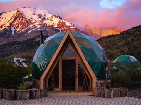 Puedes hacer glamping en la Patagonia.