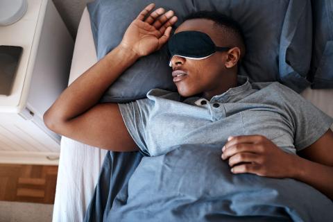 Una de las principales teorías de la ciencia de los sueños dice que los sueños son parte del procesamiento emocional de los eventos de nuestro cerebro.