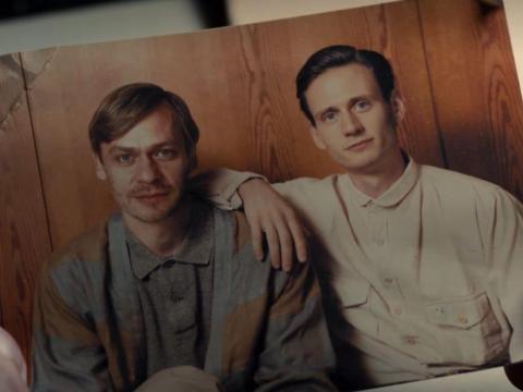 El joven Clausen y su hermano.