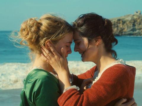 """Adèle Haenel y Noémie Merlant protagonizan """"Retrato de una mujer en llamas""""."""