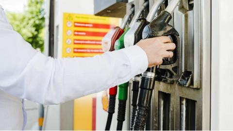 Las 50 gasolineras más baratas de España