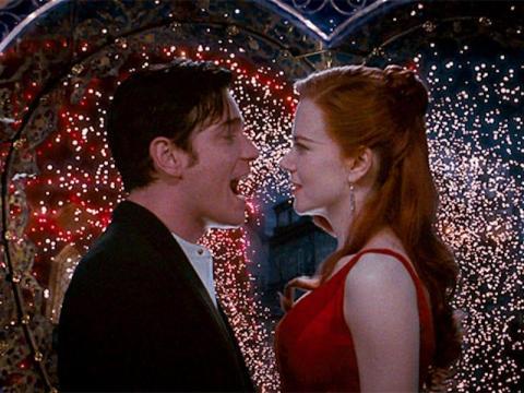 "Baz Luhrmann dirigió ""Moulin Rouge""."