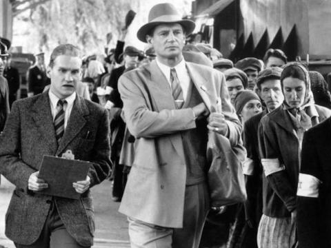 """Liam Neeson protagoniza """"La lista de Schindler""""."""