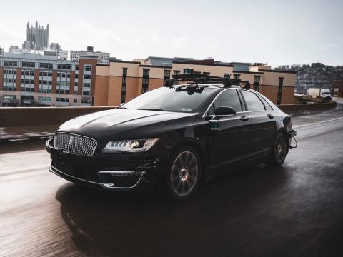 Un coche usando la tecnología de Aurora Innovation.