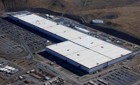 Vista aérea de la Gigafactory de Tesla cerca de Sparks, Nevada.
