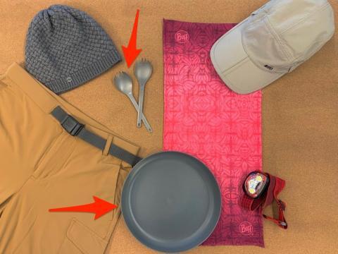 Los 'sporks' (cuchara y tenedor) de titanio son duraderos y polivalentes.