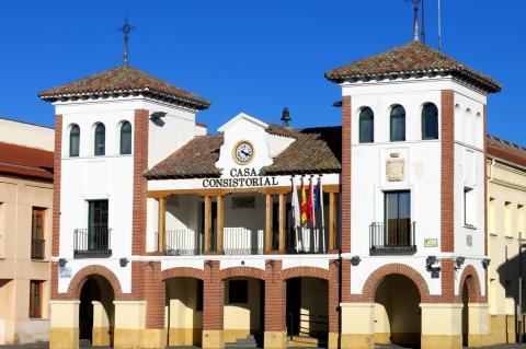 Fachada del ayuntamiento de Pinto (Comunidad de Madrid)