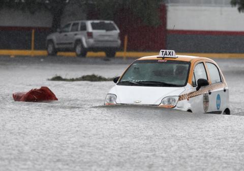 Inundaciones en Apodaca (México) por la tormenta 'Hanna'.