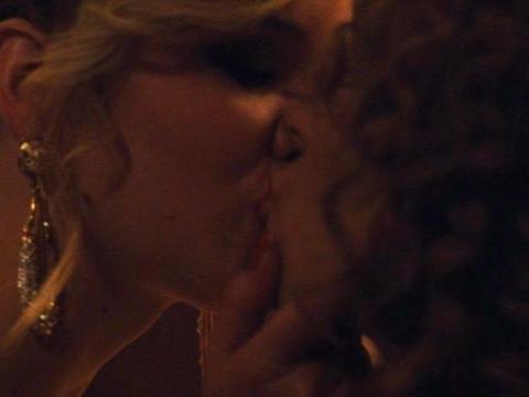 Jennifer Lawrence y Amy Adams protagonizan ' La gran estafa americana'.