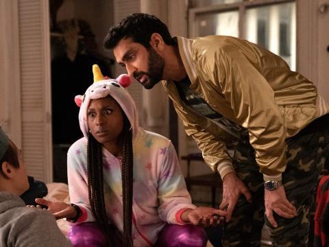 Issa Rae y Kumail Nanjiani en 'Los tortolitos'