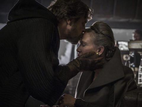 Mark Hamill y Carrie Fisher aparecen en 'Star Wars: los últimos Jedi'.