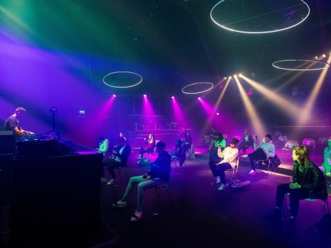 La discoteca planeaba usar las sillas hasta el mes de junio.