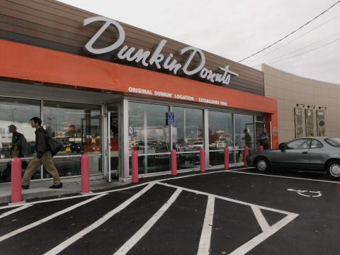 Primer local de Dunkin Donuts en Quincy, Massachusetts.