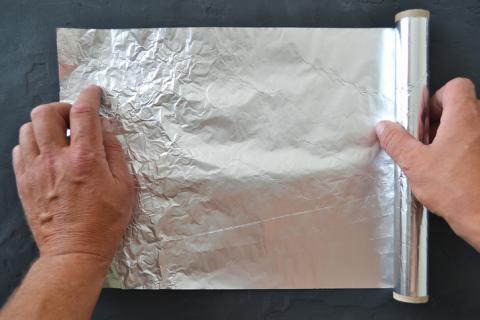 Papel de aluminio.