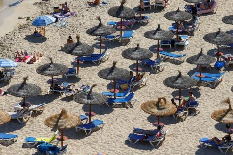 La playa de Portals Nous, en Palma de Mallorca, durante la pandemia de coronavirus