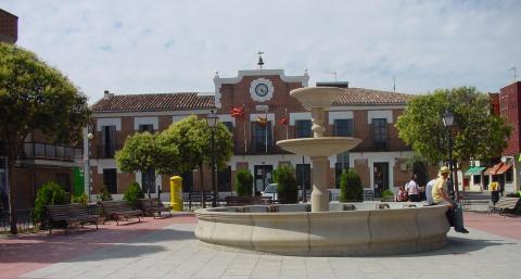 Plaza del Ayuntamiento de Paracuellos del Jarama (Comunidad de Madrid)