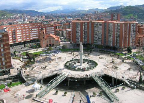 Plaza de Cruces-Gurutzeta en Barakaldo (Bizkaia)