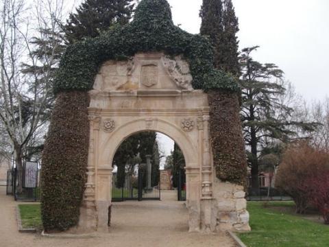Puerta de la Lealtad.
