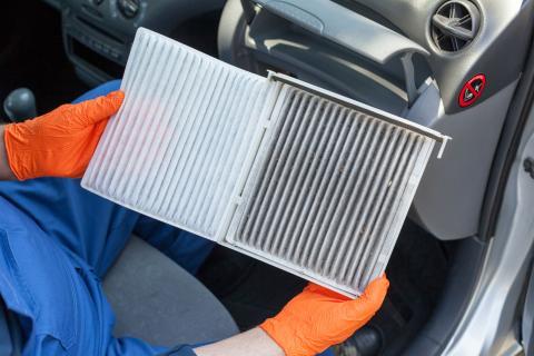 Reemplazo del filtro de aire de cabina (y otros filtros).