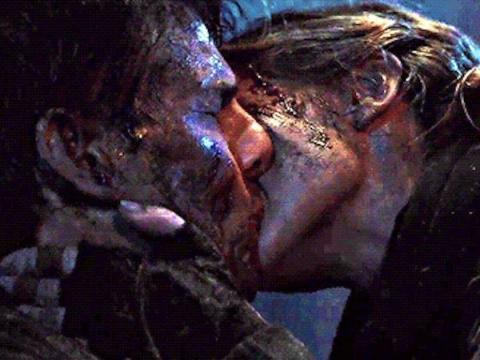 Tom Cruise y Emily Blunt interpretan a Cage y Rita en 'Al filo del mañana'.