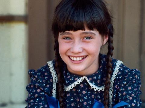 Shannen Doherty como Jenny Wilder de 'La casa de la pradera'.