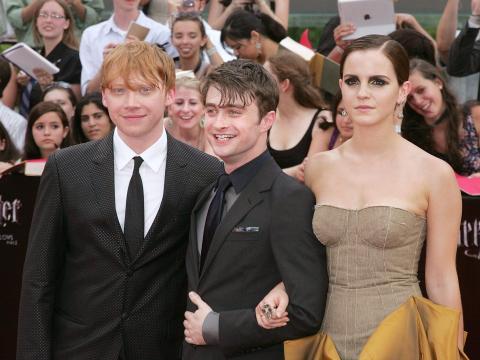 Rupert Grint, Daniel Radcliffe y Emma Watson asisten al estreno de 'Harry Potter y las Reliquias de la Muerte - Parte 2' en 2011.