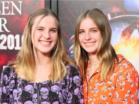 Cali y Noelle Sheldon en el estreno de la película de terror 'Nosotros'.