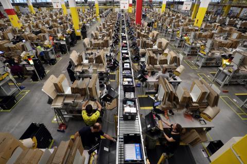 Centro de distribución de Amazon en El Prat de Llobregat, cerca de Barcelona
