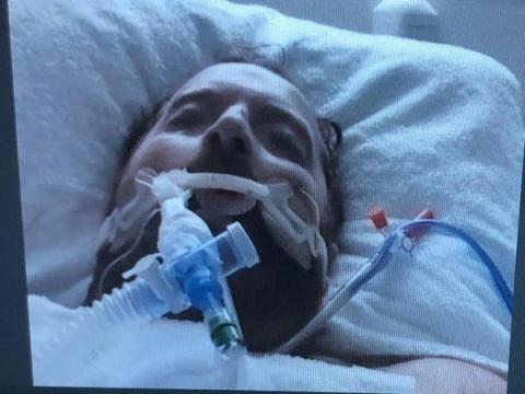 El día que me intubaron y me indujeron al coma.