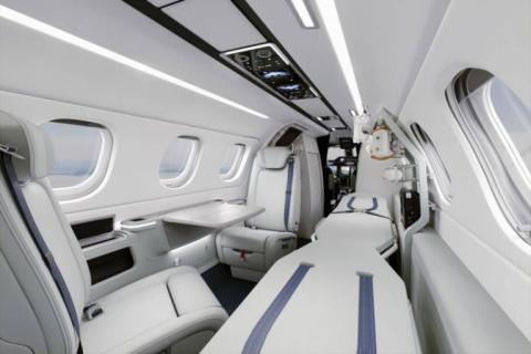 La elegante reconversión del Phantom 300 como avión sanitario