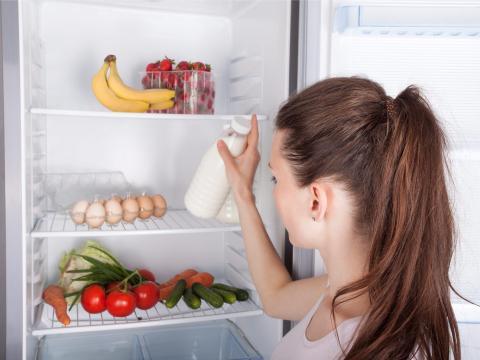 El congelador puede mantener la comida durante más tiempo.