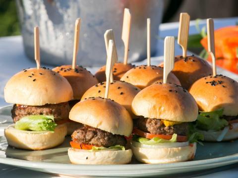Si quieres hamburguesas, es mejor comprar los ingredientes por separado.
