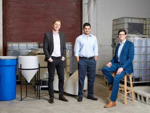 Equipo ejecutivo de Lilac. De izquierda a derecha, el director de desarrollo Tom Wilson, el director de operaciones Nick Goldberg y el director ejecutivo Dave Snydacker.