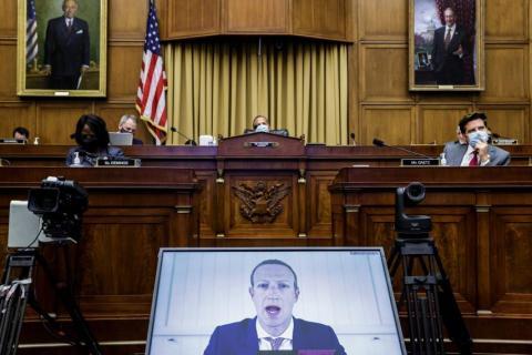 Mark Zuckerberg declarando ante la Cámara de Representantes por videoconferencia.