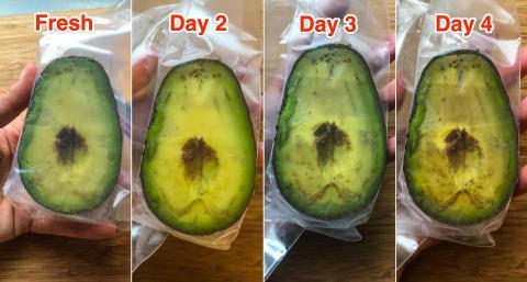 El plástico mantuvo la fruta verde y húmeda.