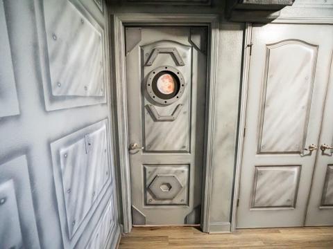 Algunas puertas tienen ojo de buey.