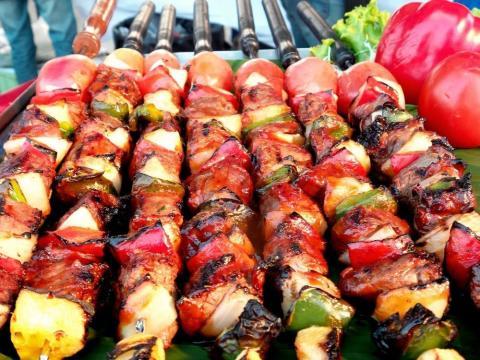 Algunas veces las verduras pueden arder mientras se cocina la carne.