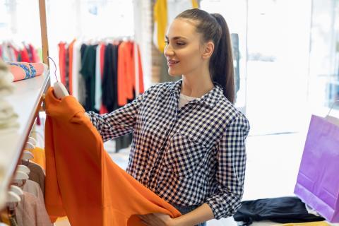 Elegir vestido naranja