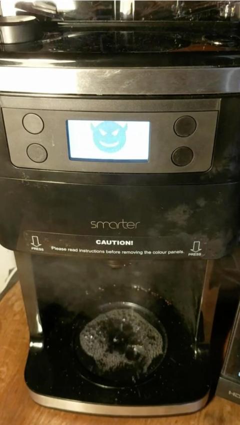 Cafetera hackeada.