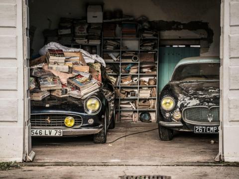 Los coches estuvieron escondidos más de 50 años