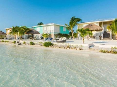 Un centro turístico en una isla privada de Belice.