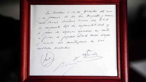 La servilleta con el primer contrato se encuentra expuesta en el museo del F.C Barcelona