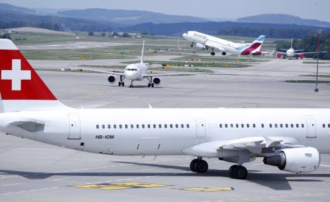 Aviones de Eurowings en Zúrich, Alemania.