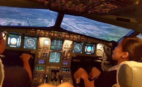 La experiencia de volar es casi real.